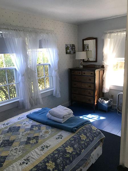 Seashell Room Facing Dresser